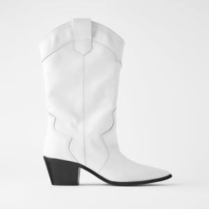 Botas brancas com tacão, Zara
